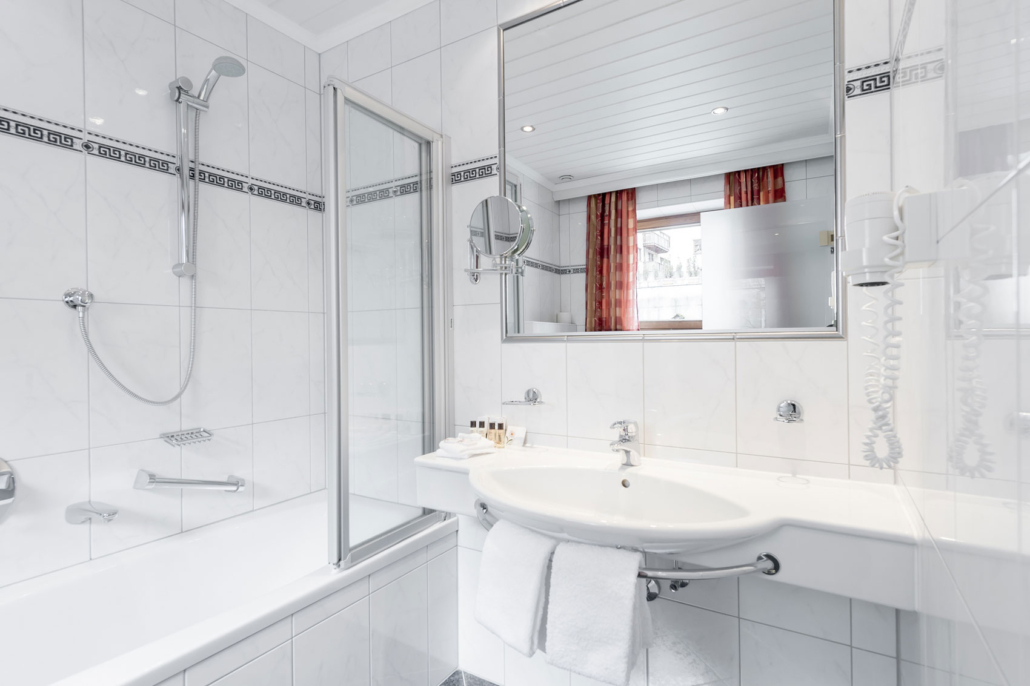Hotel Mondin Ischgl Badezimmer